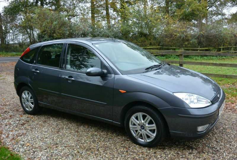 2004 ford focus 16v ghia 5 door hatchback low mileage. Black Bedroom Furniture Sets. Home Design Ideas