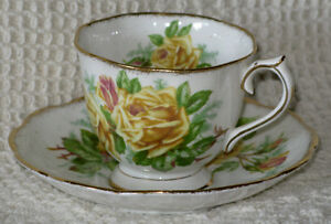 ROYAL ALBERT – FINE BONE CHINA – CUPS AND SAUCERS