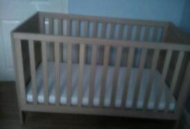 Mother are cot bed