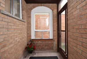 **Detached Home In Demanding Location** Mississauga