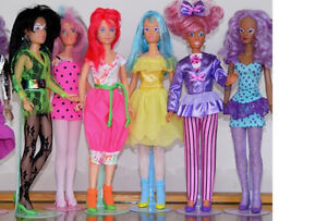 Looking for Jem doll stuff accessories/clothes etc.