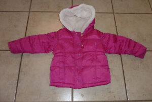 Old Navy winter coat, excellent condition, size 4T Kitchener / Waterloo Kitchener Area image 1