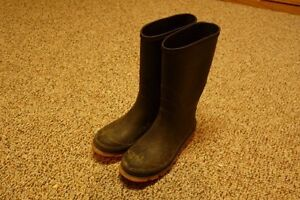 Kids Rubber Boots Size 3 Excellent Condition!! Spring is coming! Cambridge Kitchener Area image 2
