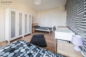 SUPER SPACIOUS ROOM TO RENT IN WHITECHAPEL -ZONE 2 - CALL ME AND SEE IT FIRST