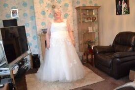 Ivory Plus Size wedding dress, veil, bag and tiara