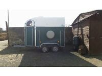 Cheval horse double horse trailer takes 2 16.2hh