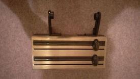 Tin foil, clingfilm, kitchen roll holder