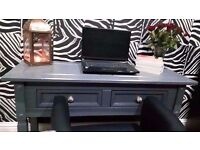 SOLID WOOD LARGE HALL TABLE/DISPLAY TABLE/CONSOLE TABLE 2 STORAGE DRAWERS