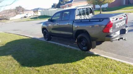 2016 Toyota hilux 4x4 duel cab Pakenham Cardinia Area Preview