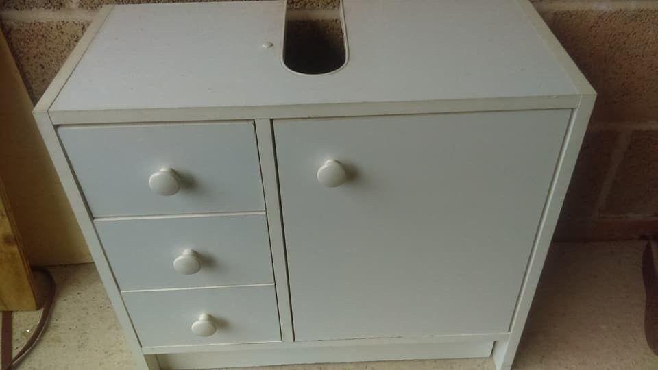 sink cupboard