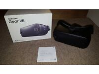 Samsung Gear VR (version 2) Excellent condition Oculus Virtual Reality Headset