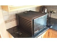 Excalibur 9 Tray Dehydrator With 26hr Timer in Black, Used Twice. As new!