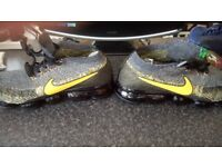 BRAND NEW NIKE AIR VAPOR MAX TRAINERS . VARIOUS STYLE AND SIZES ++ PLUS CHECK MY OTHER ITEMS
