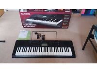 CASIO ELECTRONIC 61 KEY KEYBOARD- EXCELLENT CONDITION - PERFECT FOR BEGINNERS - TOUCH RESPONSE