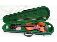 EXCELLENT CONDITION 3/4 sized VIOLIN IN CASE