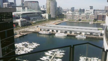 Docklands) 1 male, looking for room share mate.