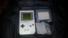 Nintendo Game boy 1989 plus games and carrying case with screen light