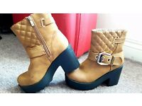 Boots camel size 3