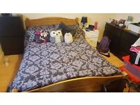 queen size 4 foot wide bed small double