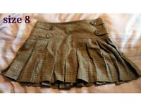 Thick brown short skirt, size 8