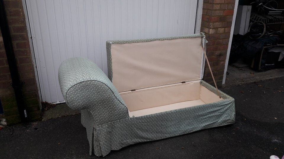 Vintage Chaise Longue with storage