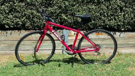 Trek 7.2 HX Hybrid- Men's bike