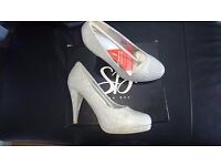 Sikver glitter heels