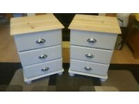 2x Solid pine Bedside cabinets/Chests of drawers