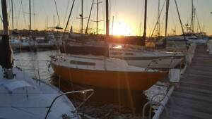 Triton 24 yacht