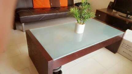 Brown coffee table with glass Plumpton Blacktown Area Preview