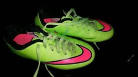 Size 13 Nike boys football boors