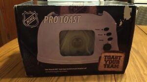 Never used Oilers Toaster