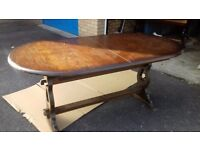 Carved dining table,extendable,oak,carved edge,stable,165-210cm,VGC,no chairs