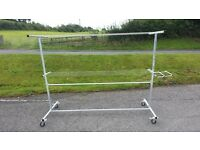 GALVANISED MOBILE CLOTHES LINE ON WHEELS WITH BASKET HOLDER