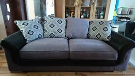 BRAND NEW DESIGNER 3 SEATER COMBINATION GRAY AND BLACK FABRIC SOFA.