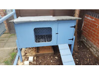 rabbit hutch/pet hutch