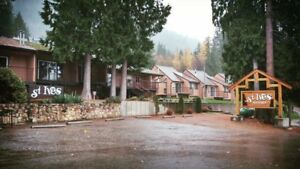 Shuswap beachfront vacation rental. Pet friendly, sleeps 5