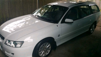 For sale 2004 vz Commodore acclaim 11 months rego 173000 Klm