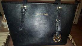 Stunning mk bag