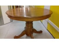 Round dining table,solid oak,extendable,carved,105-150cm,adjust screw,screw missing