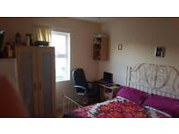 Recently decorated small studio/bedsit flat to rent in N17 Bruce Grove