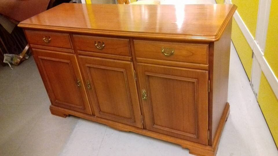 Sideboard Younger Furniture Cherry Wood 3 Drawers Cabinets