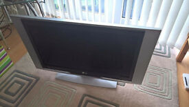 """LG RZ 37LZ55 37"""" LCD TV !!FAULTY!! NO POWER, NO REMOTE, CHEAP"""
