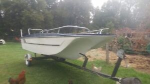Boat for sale everything works good just needs motor