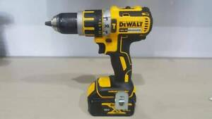 Dewalt brushless drill driver with battery