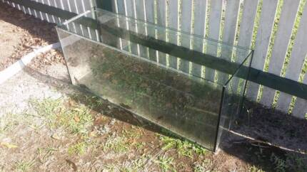 4FT Fish Tank - Priced to sell!