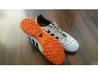 Men's size 10 white Adidas Astro turf boots