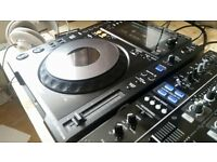A PAIR OF IMMACULATE CONDITION PIONEER CDJ 900NXS WITH DUST COVERS