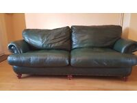 [Hughe bargain] Lether Sofa 4 seaters + 2 armchairs in very good condition. Open for offers.