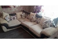 TASMIN FRANCESCA LEFT HAND CORNER SOFA IN CREAM WITH SCATTER BACK CUSHIONS.